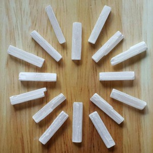 raw-selenite-wand-5-cm